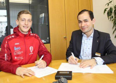 Sana-Herzzentrum Cottbus begleitet die Sportlerkarriere von Artur Beimler, den U20-Hallenmeister über 1500 Meter