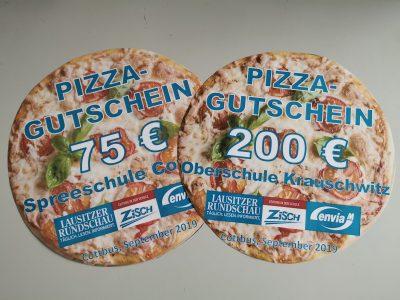 Beim ZiSch-Schreibwettbewerb wurden Pizzagutscheine für zwei Klassen vergeben. Foto: Julia Täuscher