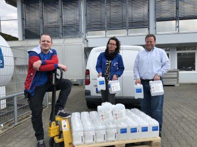 BASF Schwarzheide übergibt Cottbuser Spezialklinik 200 Liter Händedesinfektion